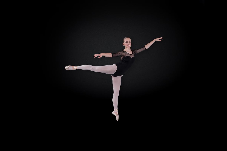 17-Fiona McGrath-Nagel Action-1018-DG-001_1224x816