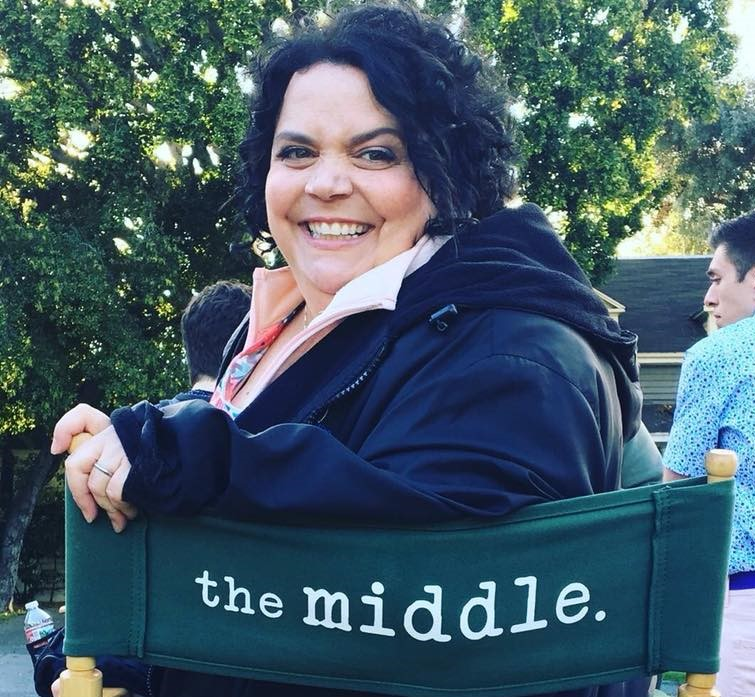 Jen Ray on set of the The Middle